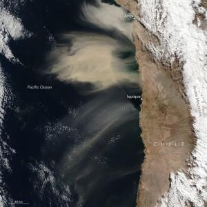 Nubes de polvo del Desierto de Atacama en Chile 8 de julio 2016