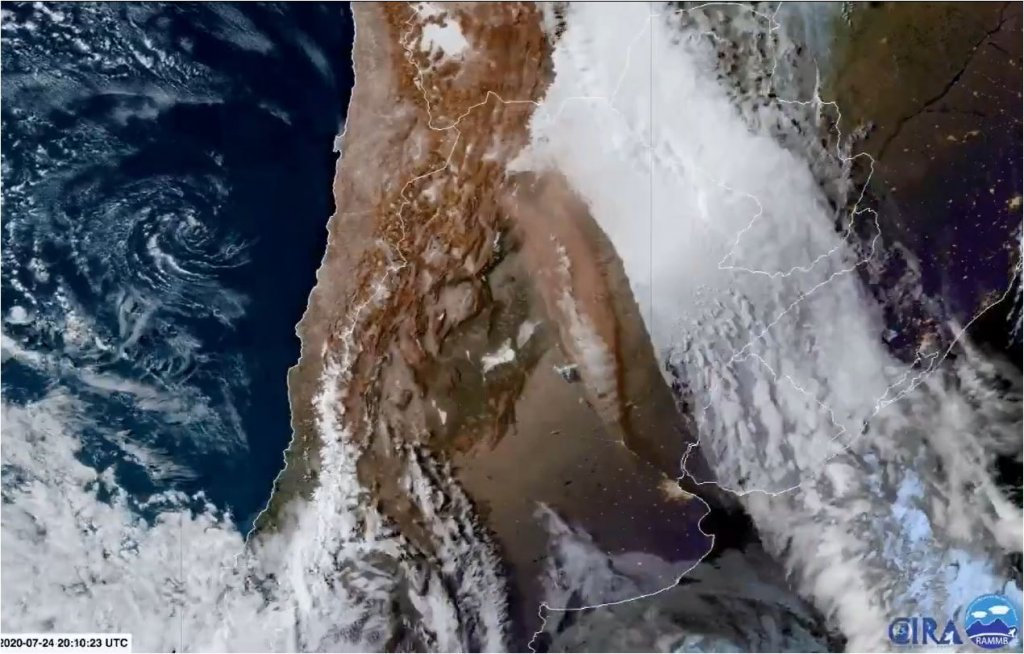 Nubes de polvo del Desierto de Atacama en Chile llega a Buenos Aires