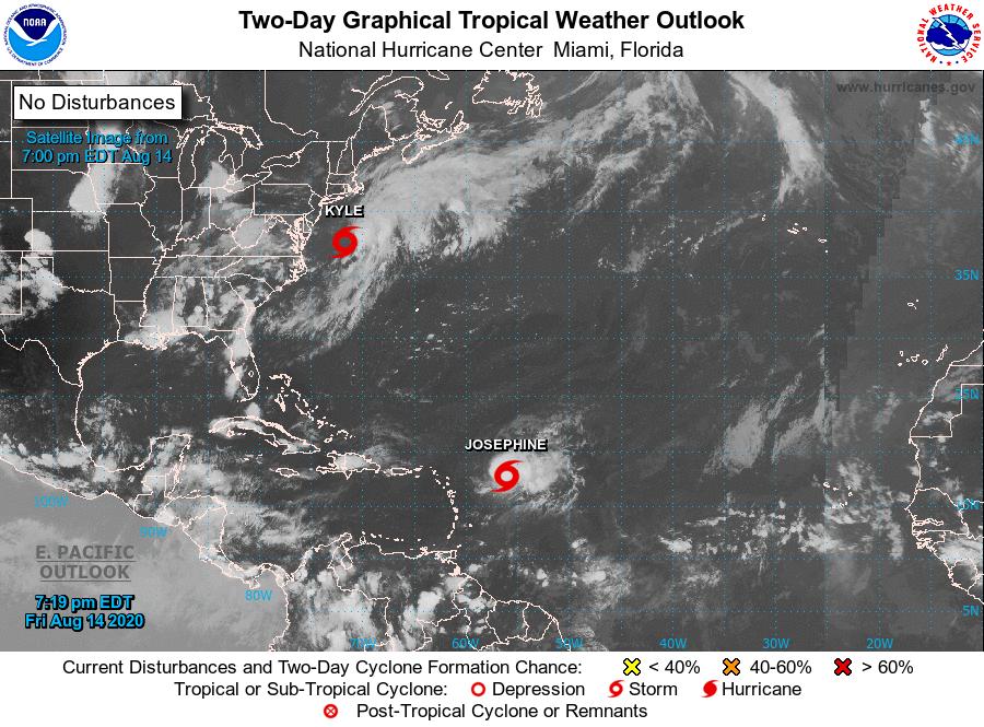 Tormentas tropicales sobre el Atlántico viernes 14 agosto. Imagen por el Centro Nacional de Huracanes