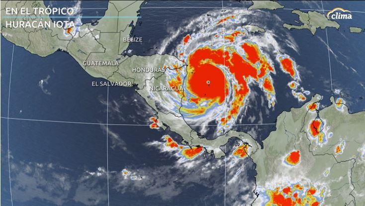 Imagen satelital de Iota cerca de Nicaragua el lunes. Categoría 5