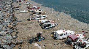 """El """"moco marino"""" invade las playas de Turquía y se teme una catástrofe"""